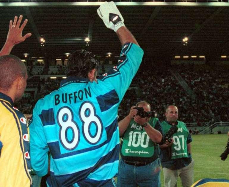 Gigi Buffon con la 88