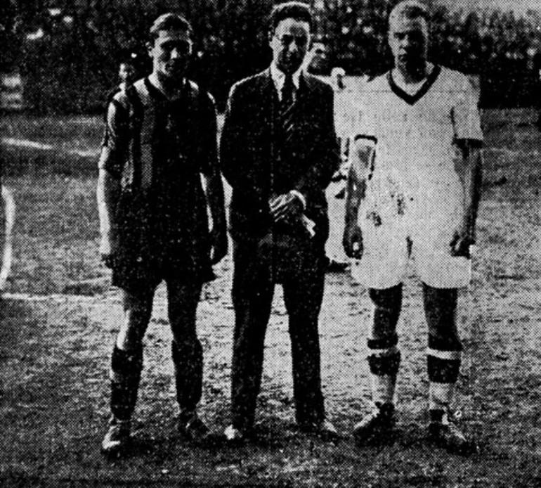 Meazza (a sinistra) con Weisz (al centro)