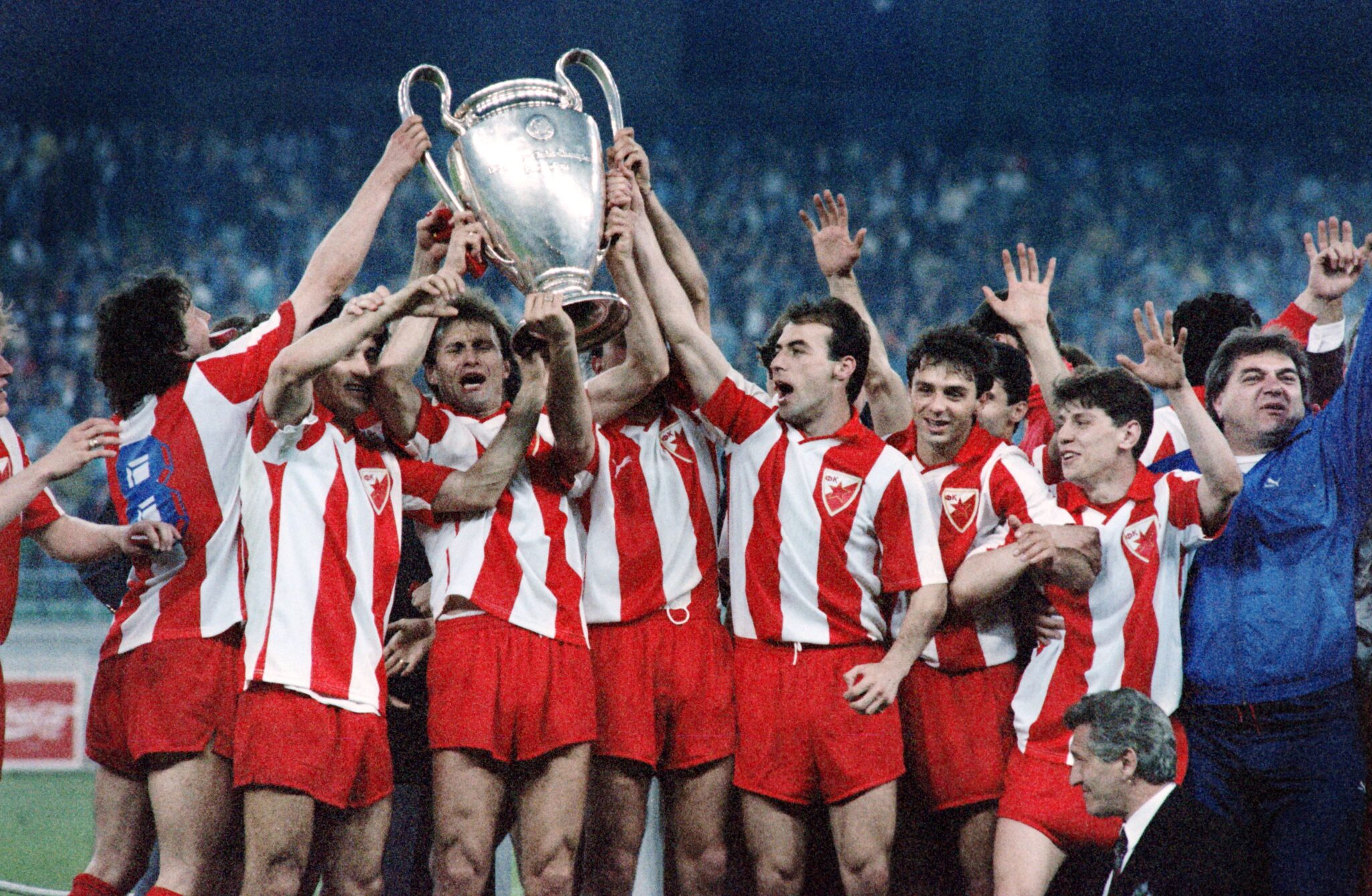 Stella Rossa 1991 - Foto Jacques Demarthon Patrick Hertzog AFP via Getty Images OneFootball