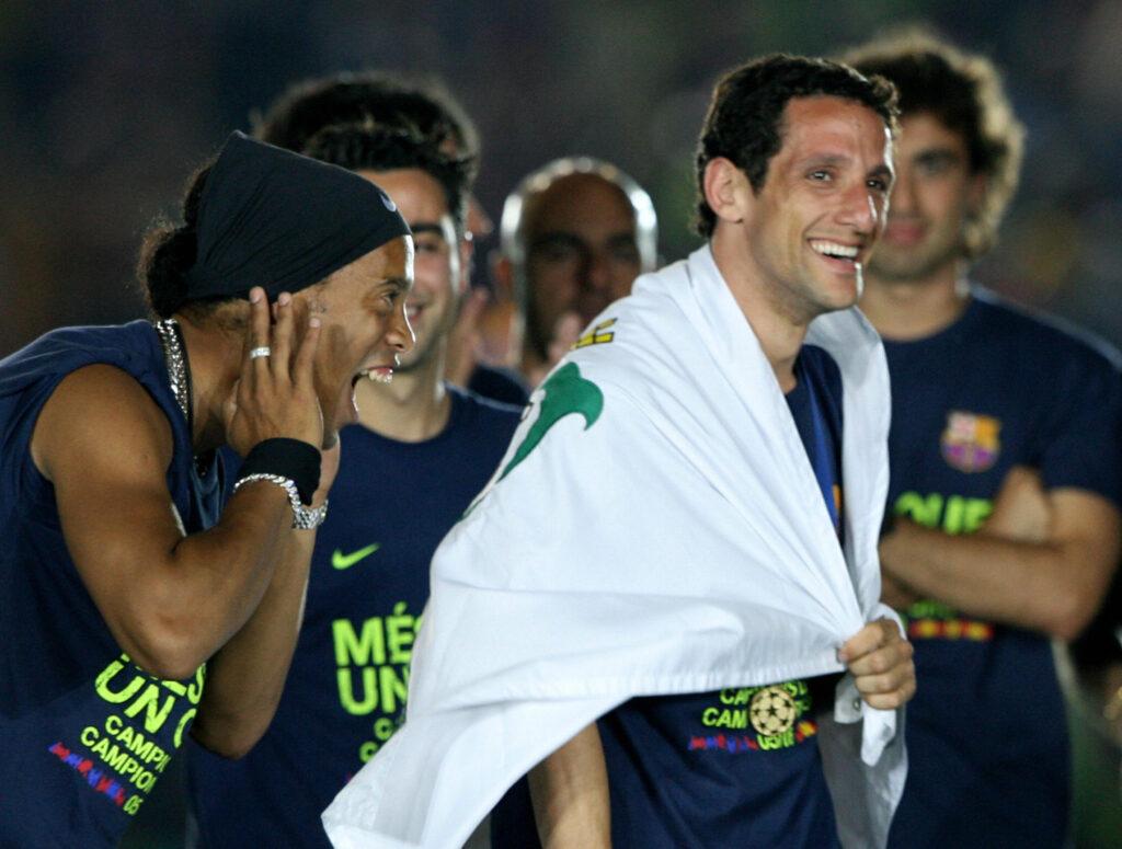 Belletti festeggia al Camp Nou la vittoria della Champions League blaugrana (Foto: Lluis Gene/AFP via Getty Images - OneFootball)