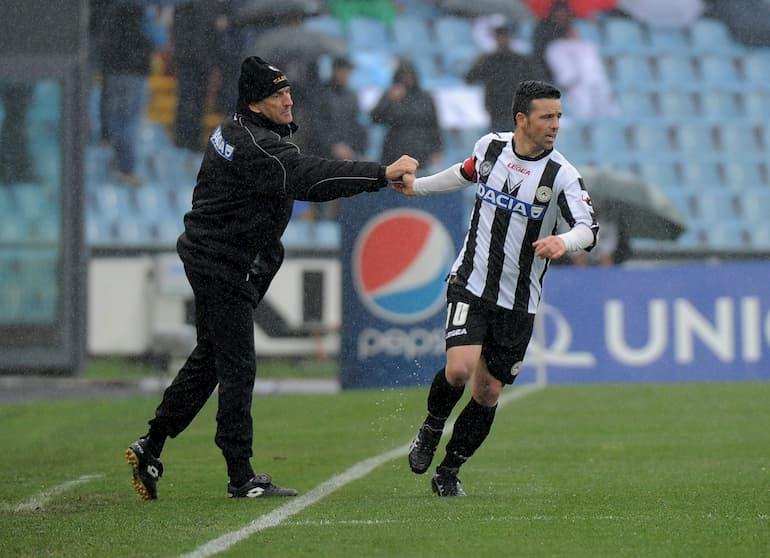 Di Natale esulta con Guidolin dopo un gol (Foto: Dino Panato/Getty Images - OneFootball)