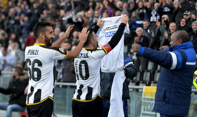 Esultanza di Di Natale al 200° centro in Serie A (Foto: Dino Panato/Getty Images - OneFootball)