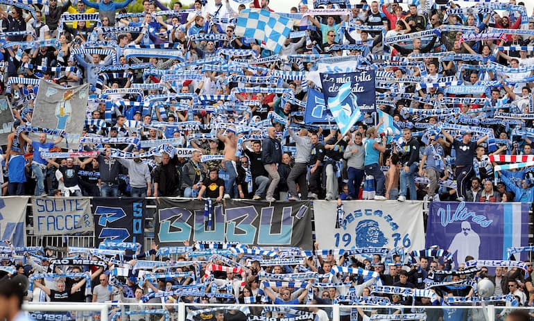 I tifosi del Pescara (Foto: Giuseppe Bellini/Getty Images - OneFootball)