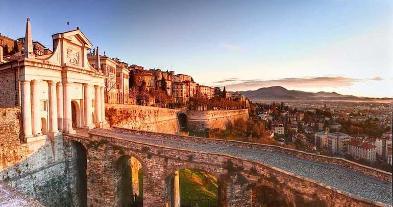 Le mura venete e Porta San Giacomo (Foto: Guagui - Fotolia)