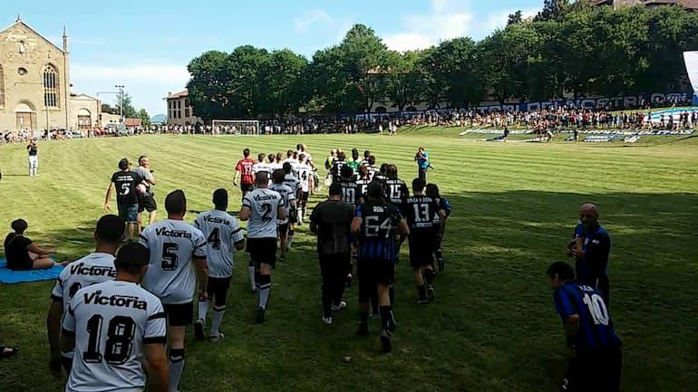 Le tifoserie di Eintracht ed Atalanta si sfidano alla Fara
