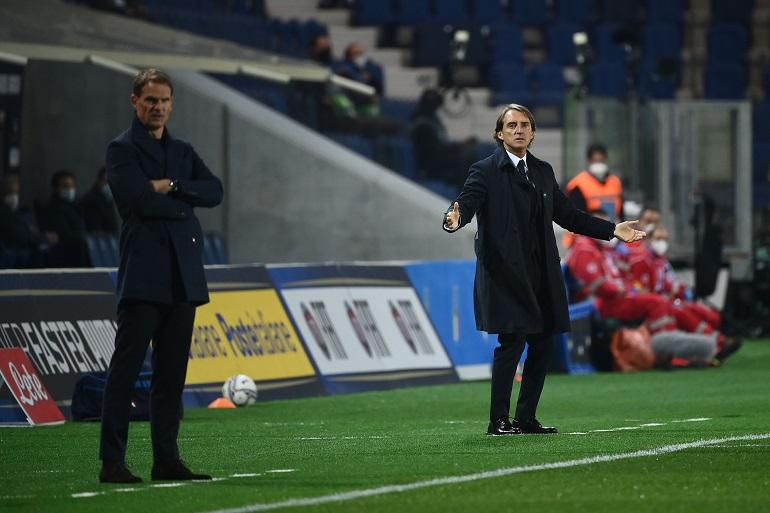 Mancini & de Boer - Foto Marco Bertorello AFP Getty Images OneFootball