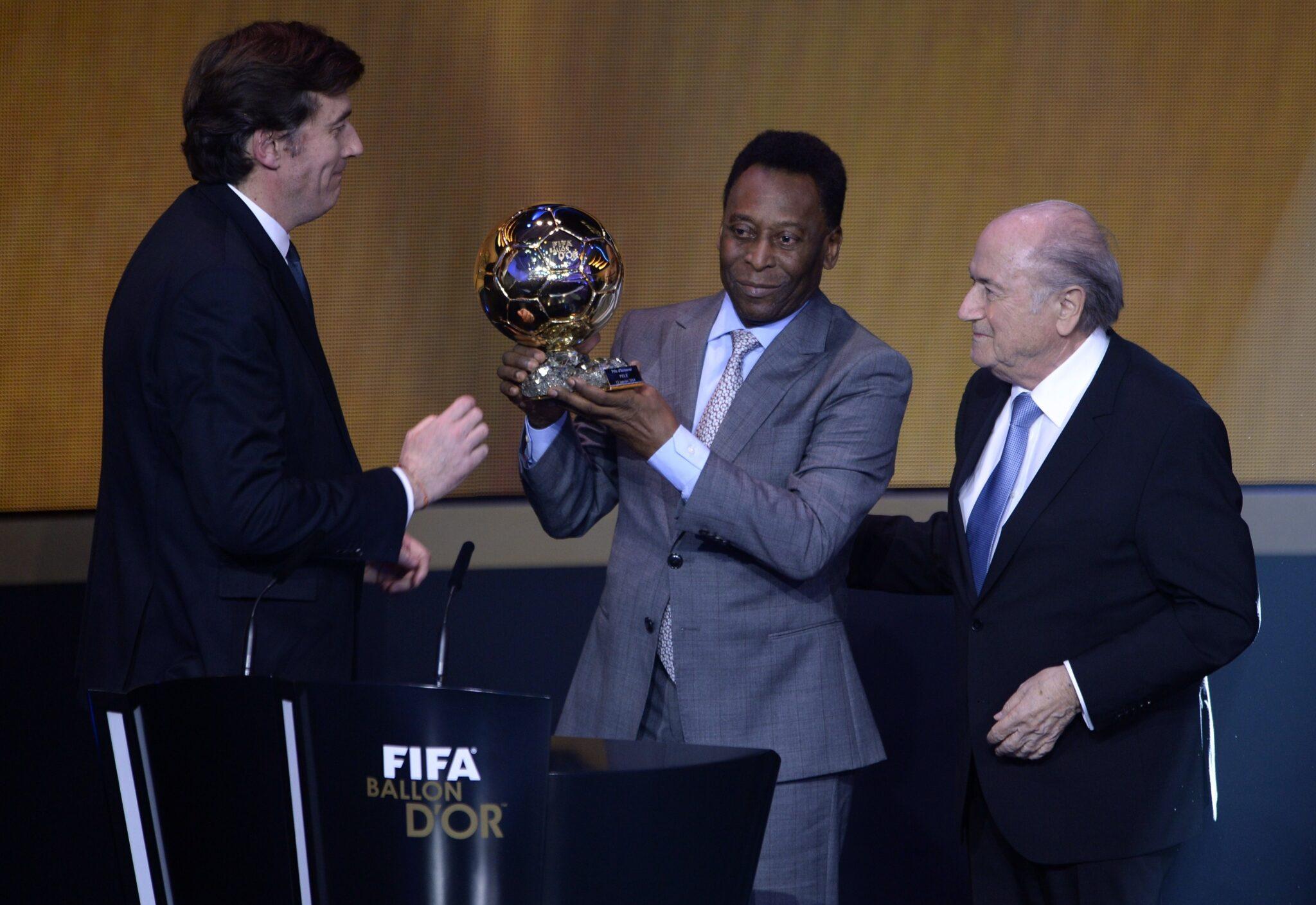 Moriniere, Pelé & Blatter - Foto Fabrice Coffrini AFP Getty Images OneFootball