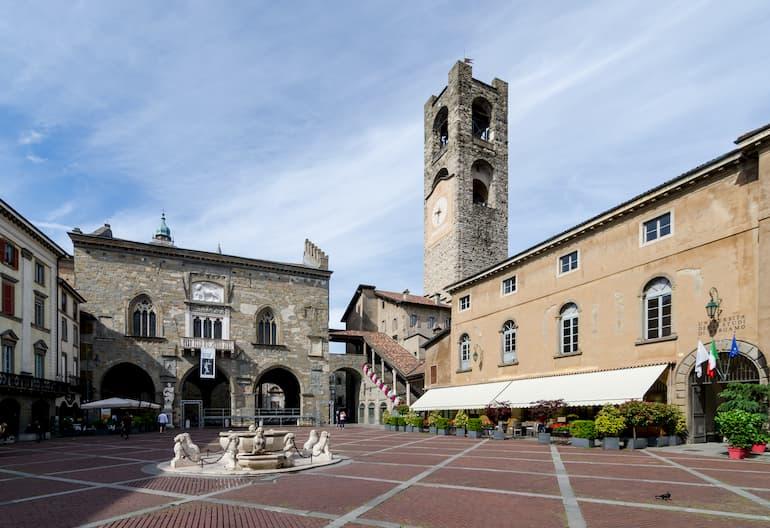 Piazza Vecchia, centro nevralgico di Bergamo (Foto: Steffen Schmitz)