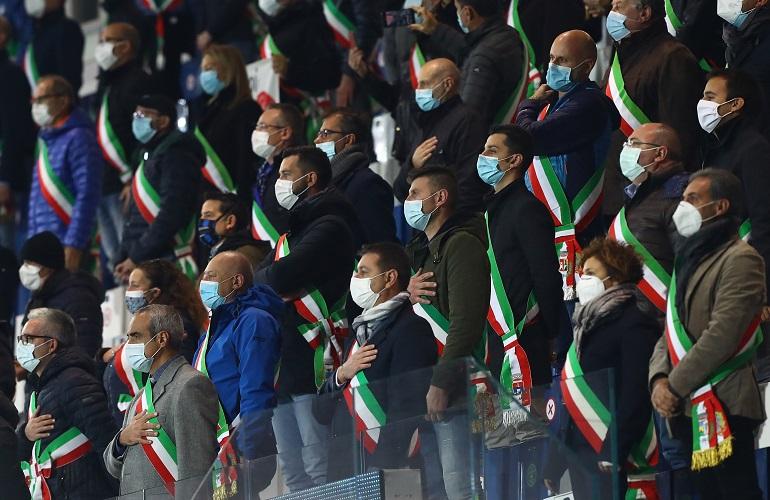 Sindaci bergamaschi a Italia-Olanda - Foto Marco Luzzani Getty Images OneFootball