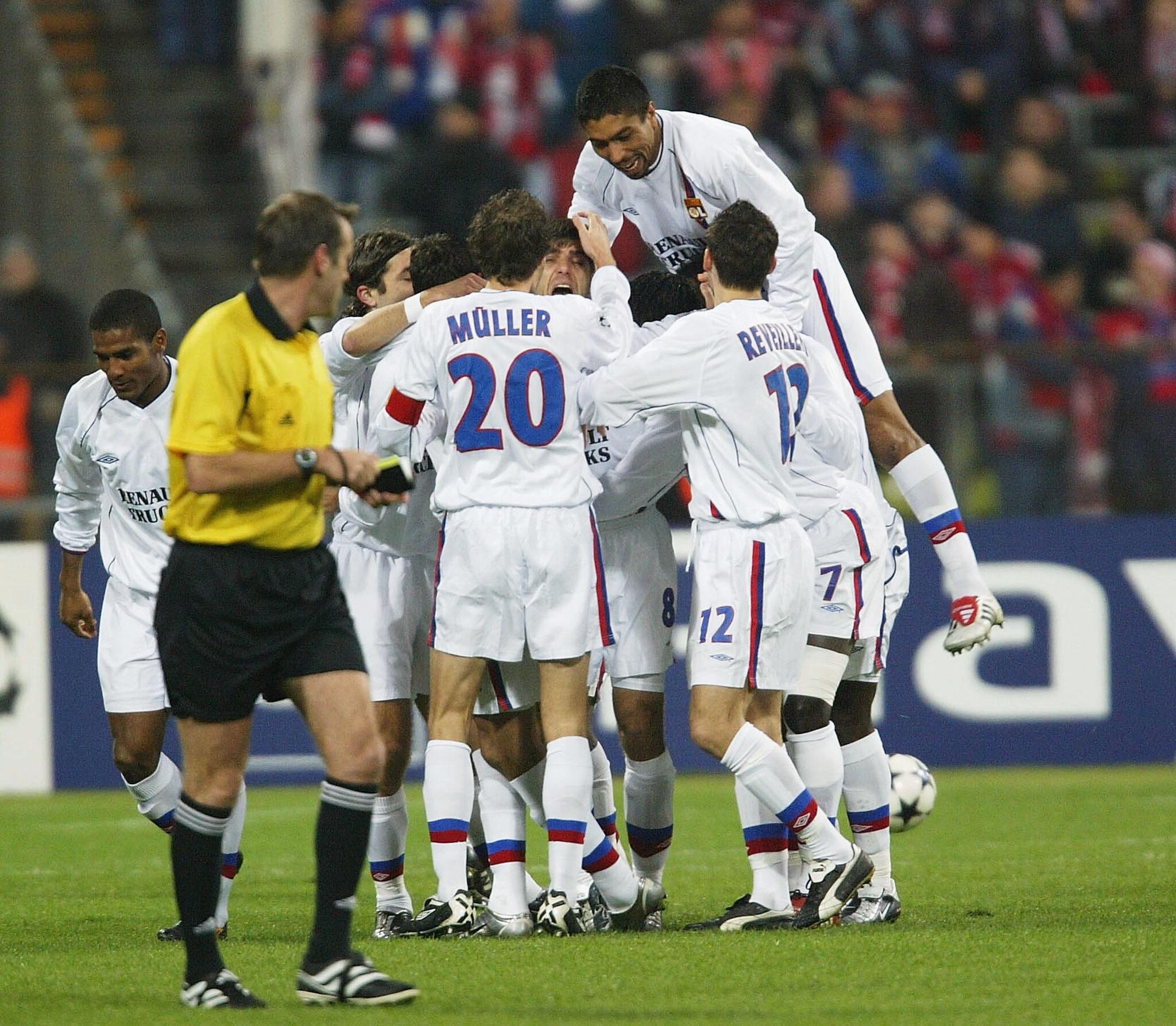 Juninho vs Bayern - Foto Stuart Franklin Getty Images OneFootball