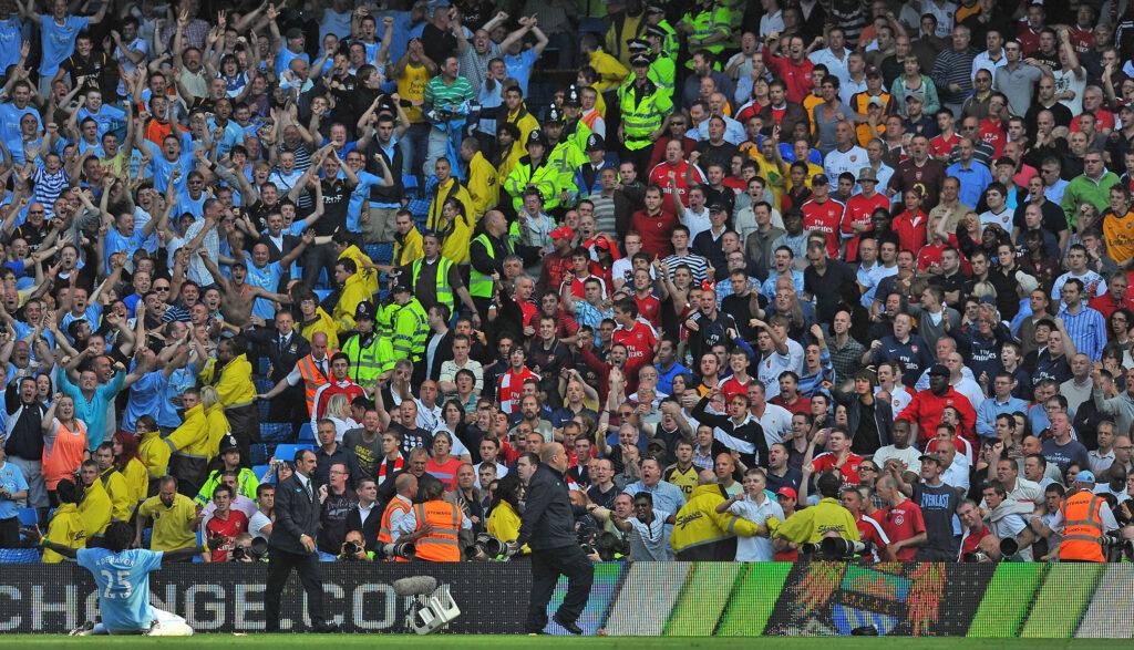 Adebayor vs Arsenal 3 - Foto Andrew Yates AFP via Getty Images OneFootball