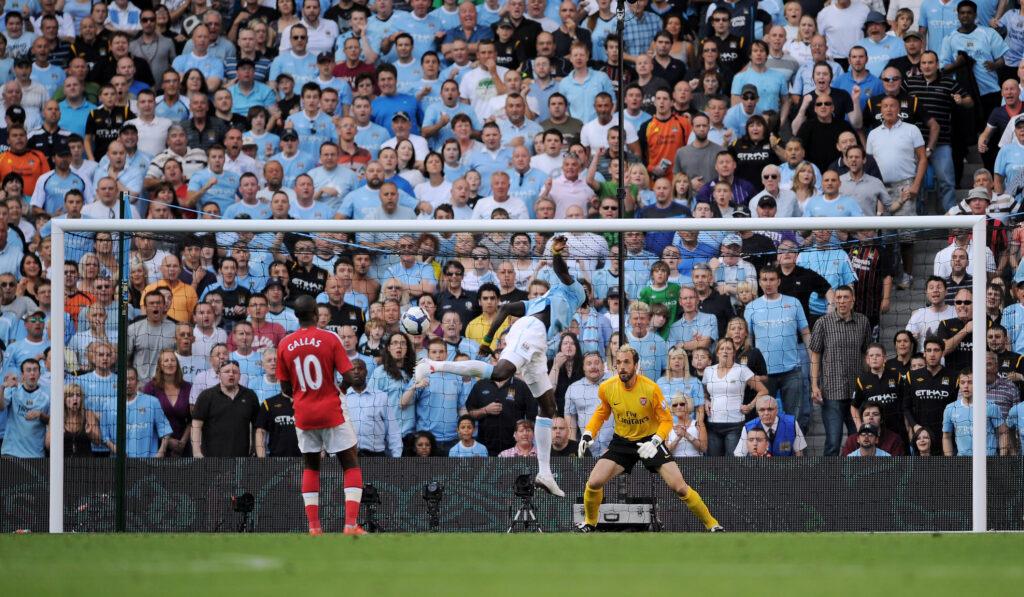Adebayor vs Arsenal 1 - Foto Shaun Botterill Getty Images OneFootball