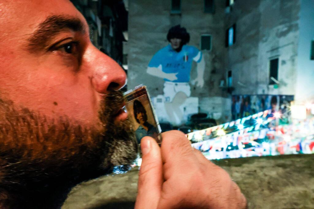 Il murales di Maradona a Napoli