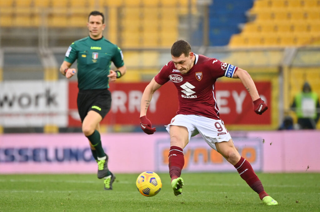Belotti impegnato nel match contro il Parma, in cui ha sfornato due assist.