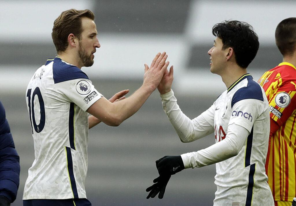 Kane e Son si danno il cinque
