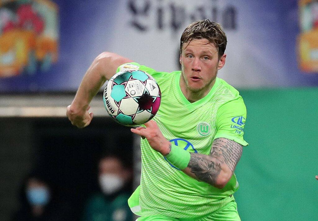 Weghorst in azione durante un match di Bundesliga