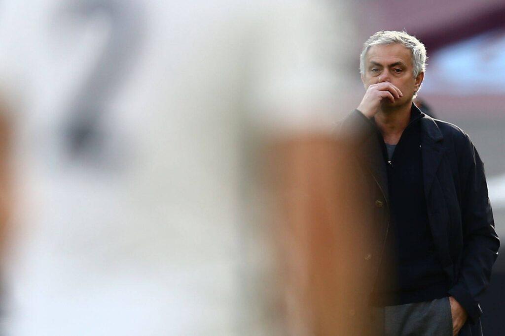 Mourinho durante una partita del Tottenham