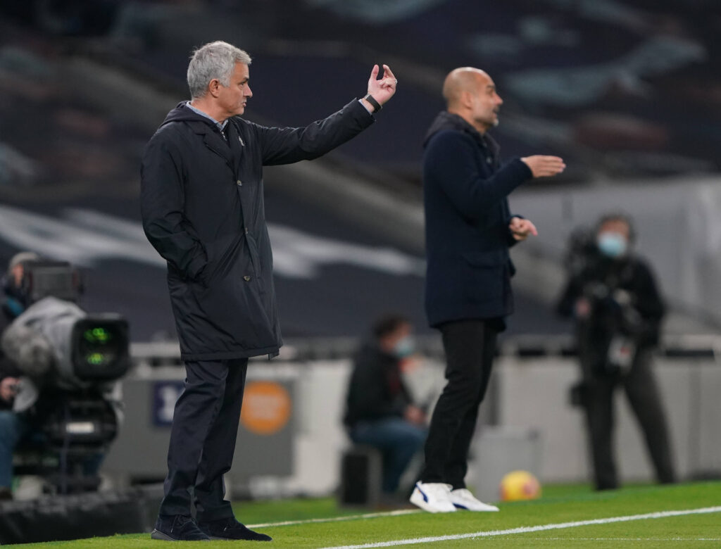 Mourinho e Guardola si affrontano in un match di Premier tra Tottenham e Manchester City