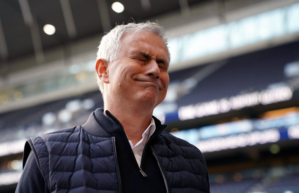 Un Mourinho a dir poco contraddetto