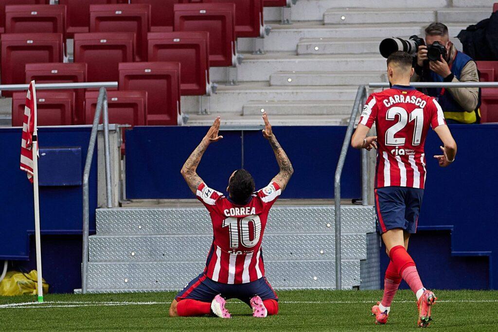 Esultanza dopo il di Correa gran gol contro l'Huesca