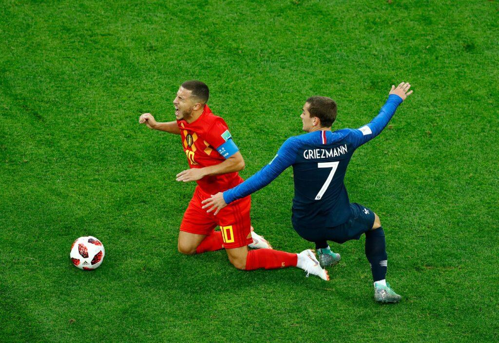 Hazard e Griezmann in azione durante la semifinale dei Mondiali 2018