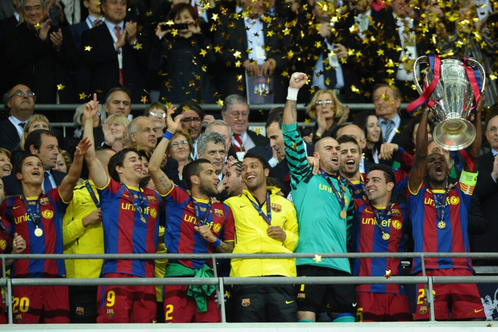 Eric Abidal alza al cielo la Champions League 2011