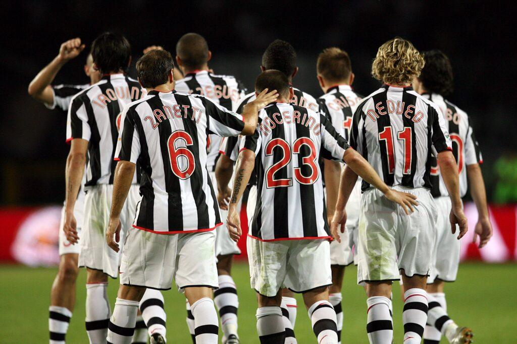 Antonio Nocerino con i compagni della Juventus