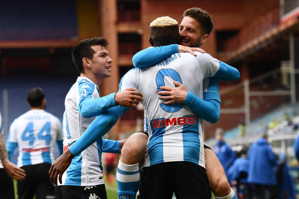 Mertens, Lozano e Osimhen festeggiano insieme un gol