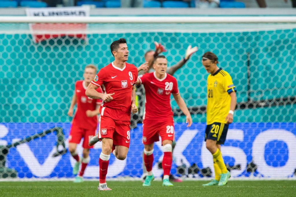 Robert Lewandowskki carica la squadra verso la rimonta a Euro 2020