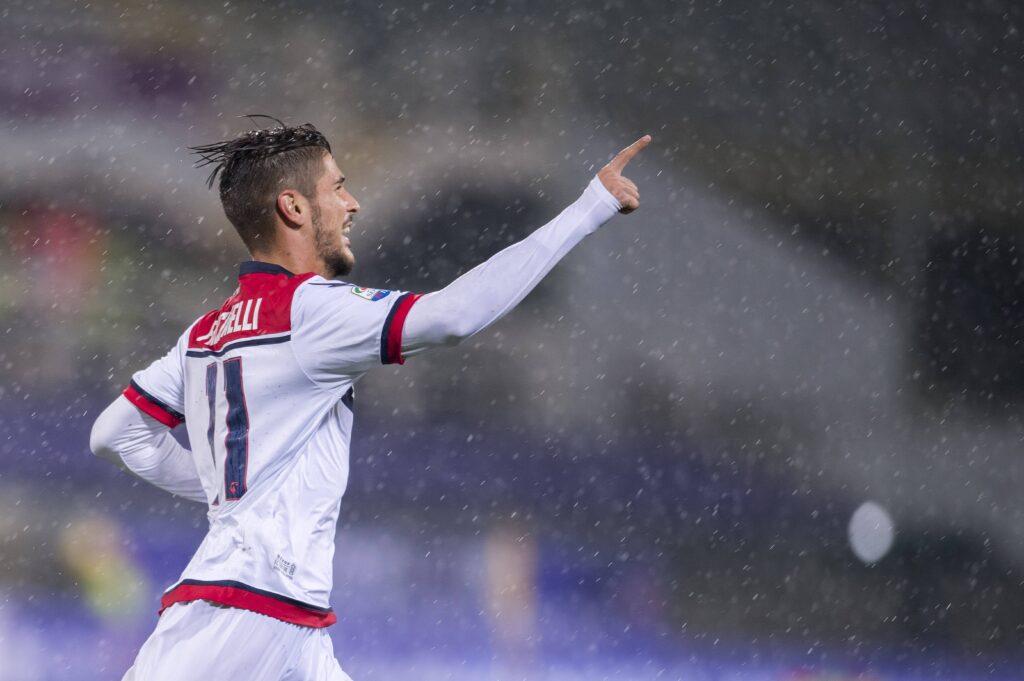 Falcinelli esulta dopo un gol
