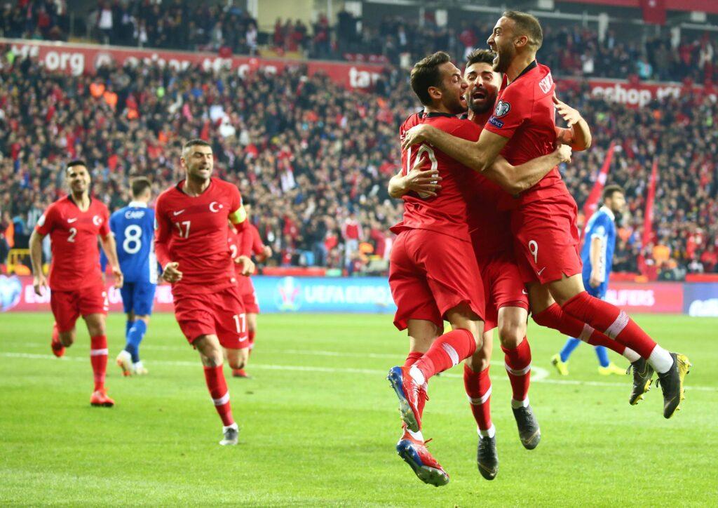 La Turchia esulta in vista di Euro 2020