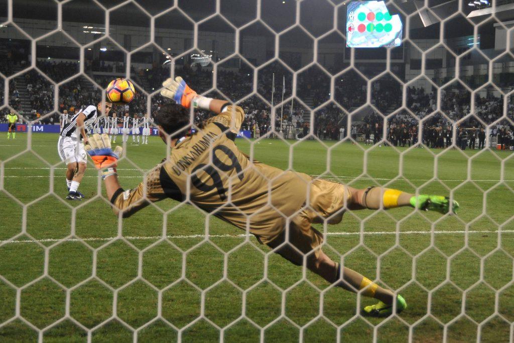 Dybala sbaglia il rigore decisivo contro il Milan