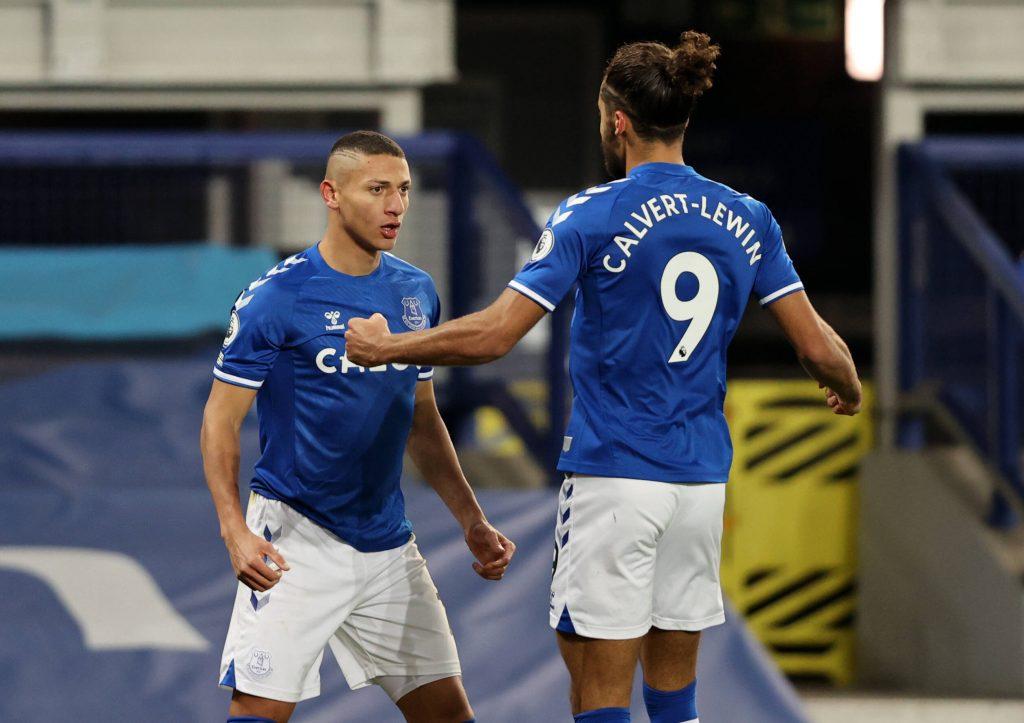 Richarlison e Calvert-Lewin festeggiano un gol