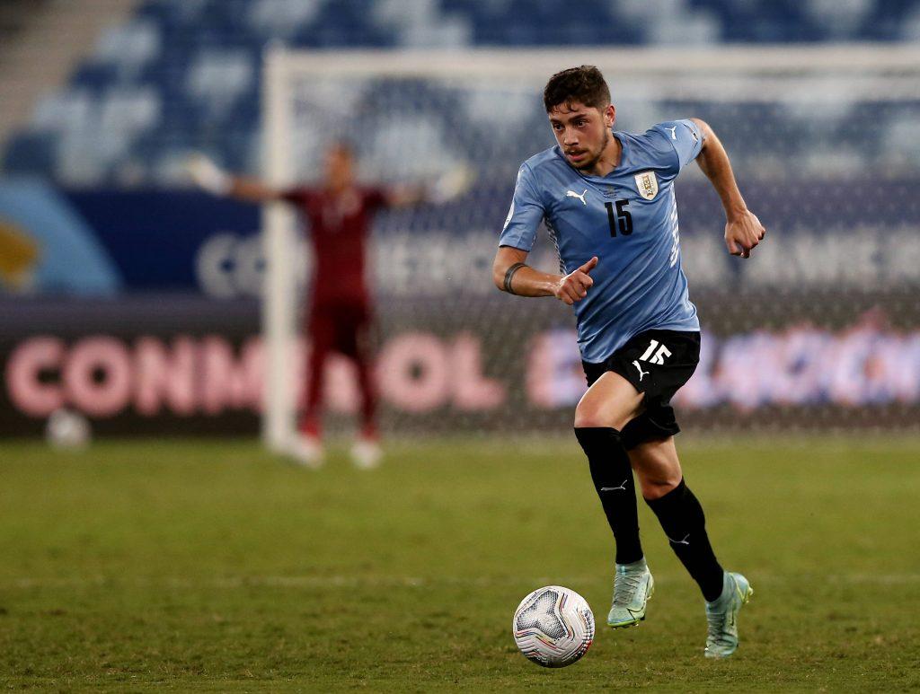 Federico Valverde con la maglia dell'Uruguay
