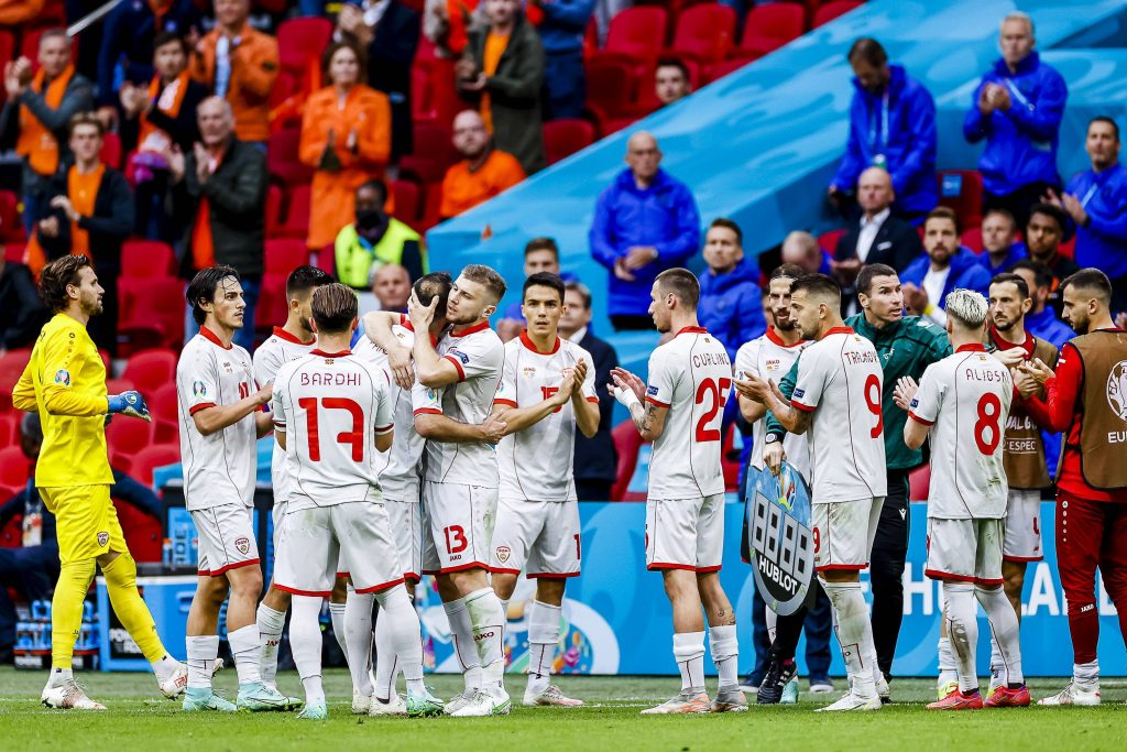 Goran Pandev saluta la Nazionale