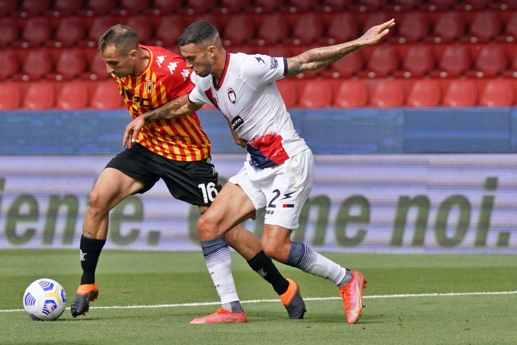 Crotone e Benevento durante la scorsa Serie a