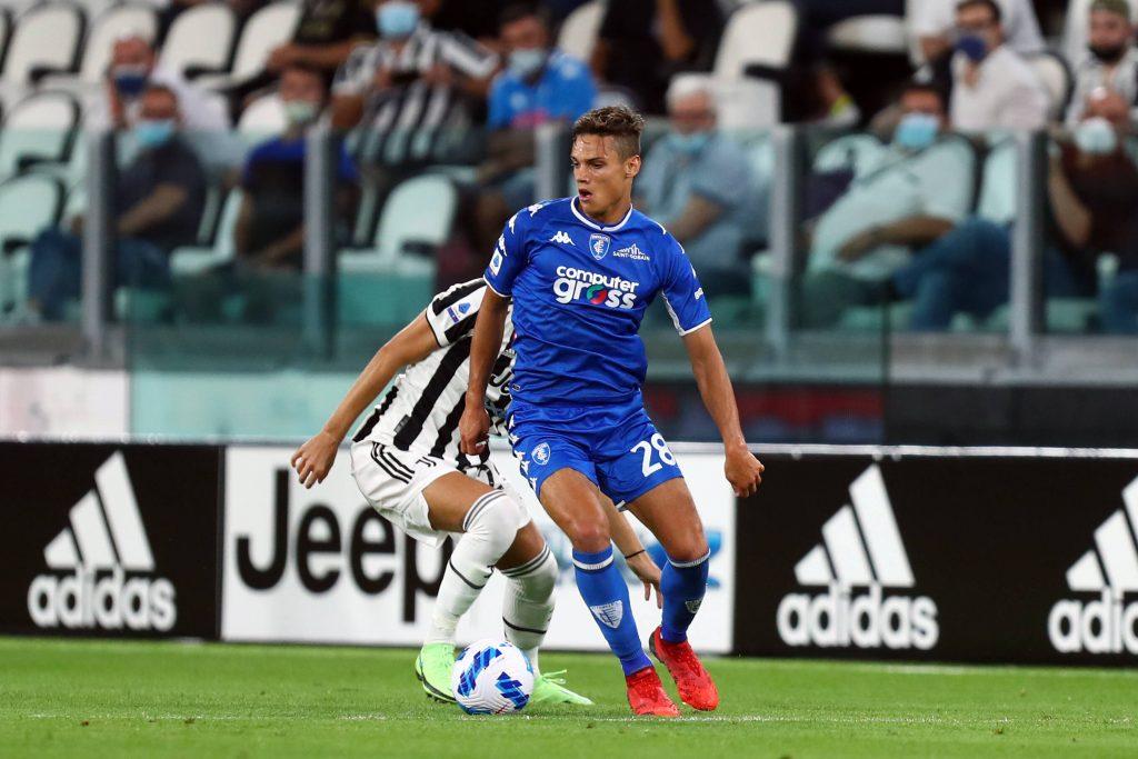 Samuele Ricci in possesso del pallone contro la Juventus nel match di Serie A della scorsa giornata