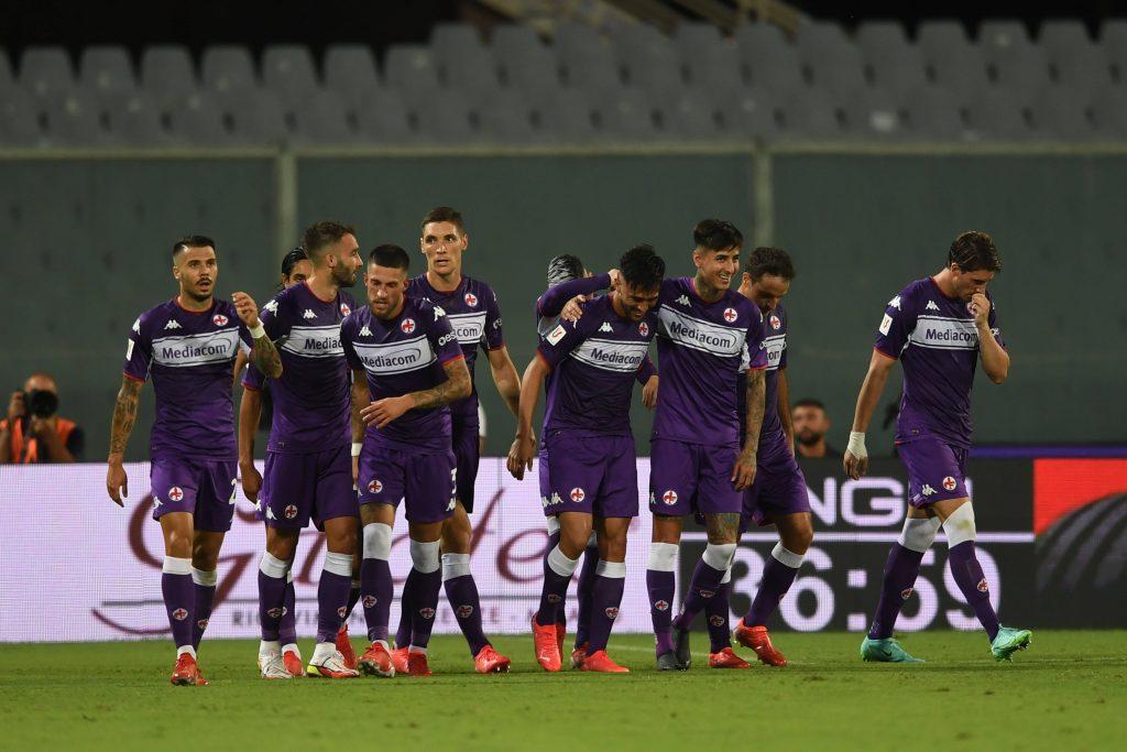La Fiorentina festeggia il gol di Gonzalez contro il Cosenza