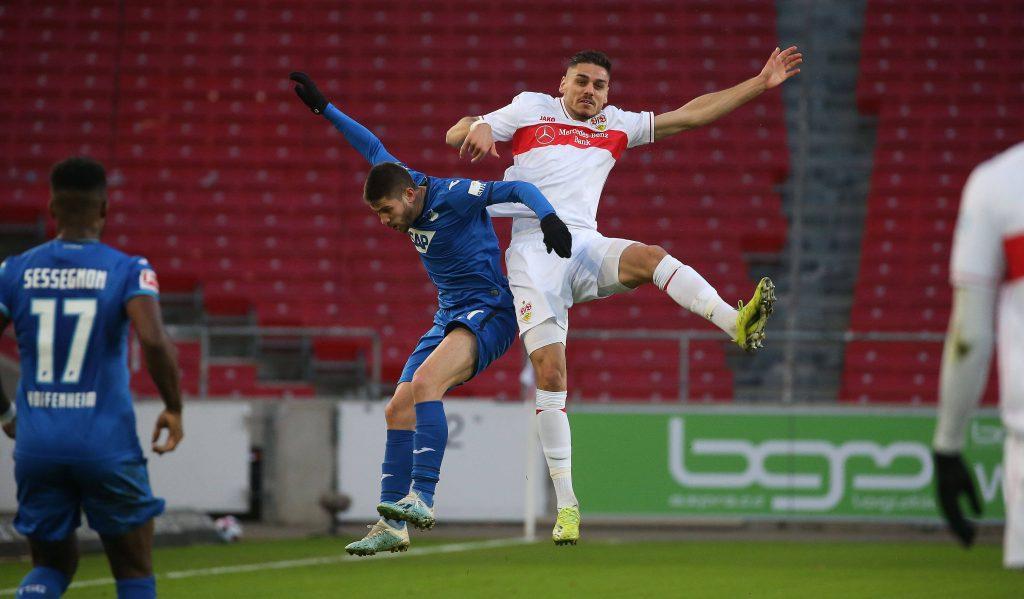 Kramaric e Mavropanos si sfidano durante la scorsa Bundesliga