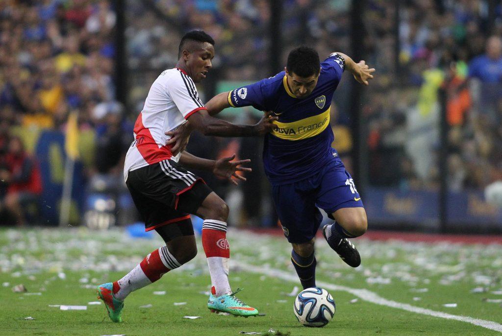 Juan Román Riquelme supera Carlos Carbonero