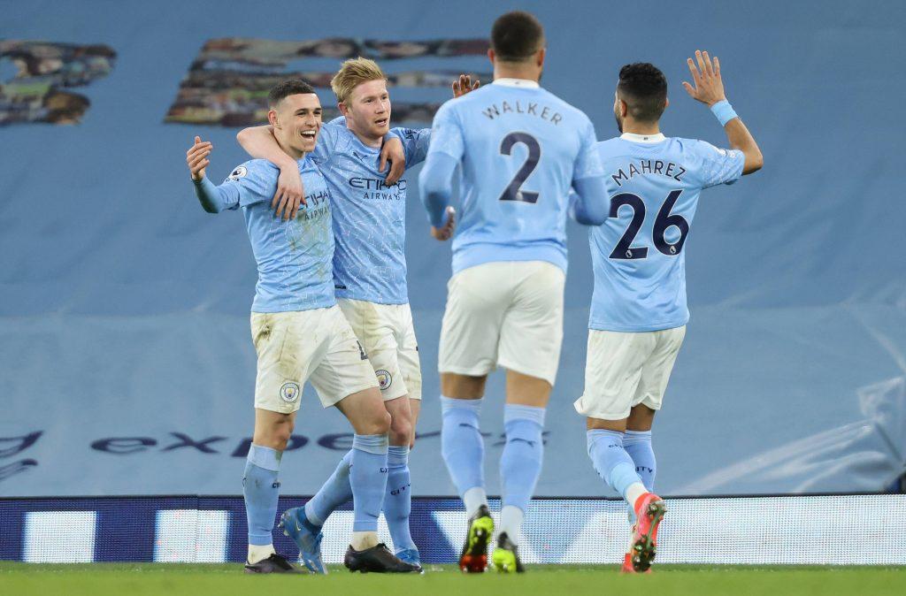 De Bruyne, Foden e Mahrez in azione con il Manchester City