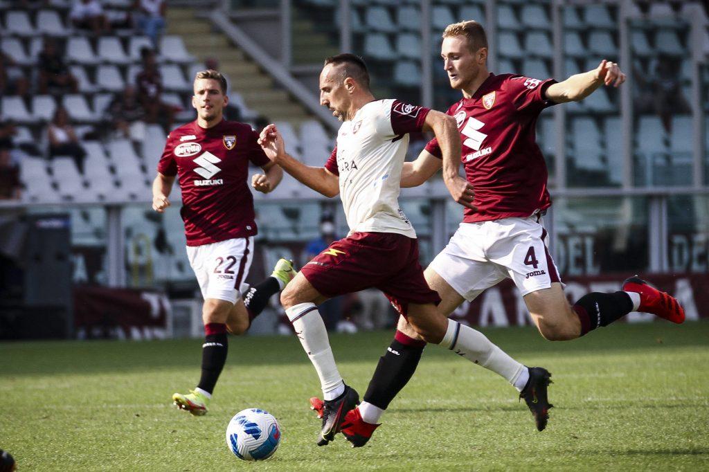 Ribery resiste al pressing di Pobega