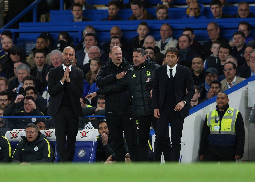 Conte e Guardiola a bordocampo durante Manchester City - Chelsea