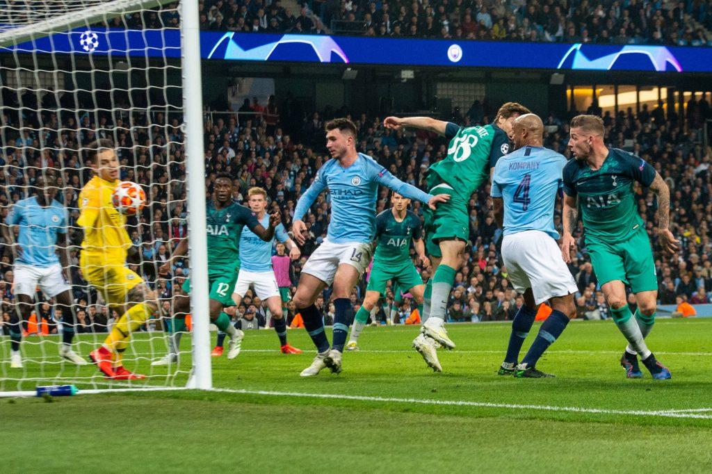 Llorente segna il gol che condanna il Manchester City