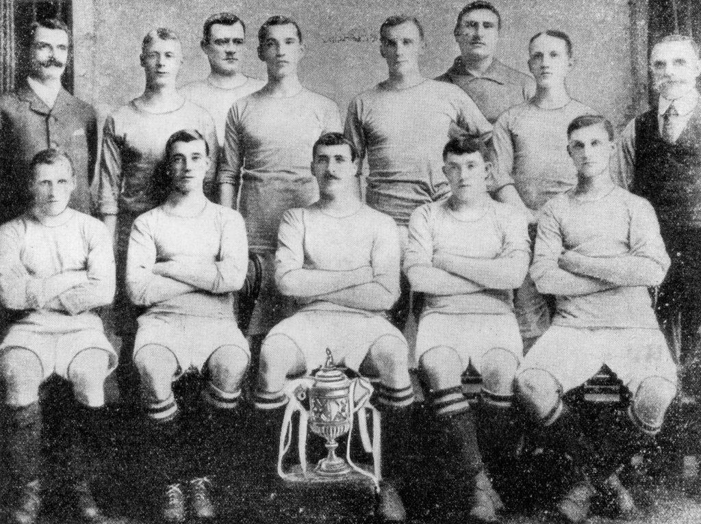 Il Manchester City vincitore della FA Cup nel 1904